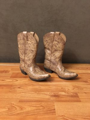 Cowgirl boots for Sale in Falls Church, VA
