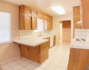 Real wood kitchen cabinets for Sale in Fresno, CA