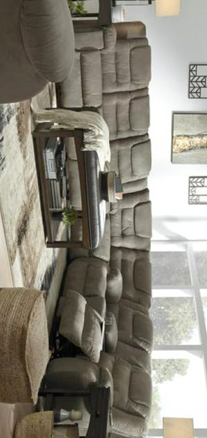 1499 McCade Cobblestone Reclining Sectional for Sale in Silver Spring, MD
