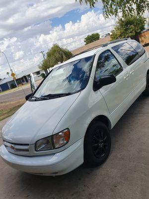 Toyota sienna for Sale in Phoenix, AZ