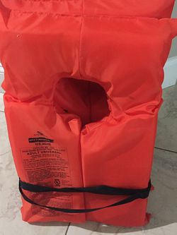 4 Life Jackets Adult Universal for Sale in Cape Coral,  FL