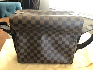 Authentic Louis Vuitton Damier Naviglio Messenger Bag for Sale in Long Beach, CA