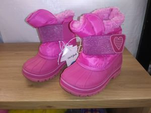 Cat & Jack snow boots little girls for Sale in Los Angeles, CA