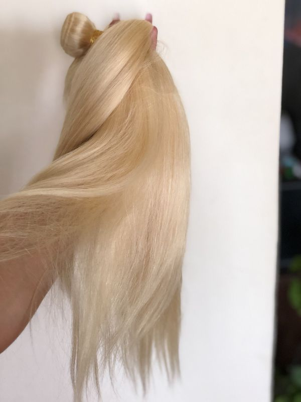 3 bundles 16 inch thick Brazilian blonde. Great for wigs ( closure not included) double drawn.