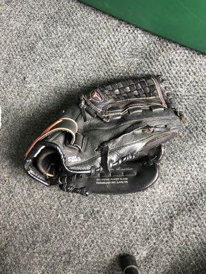 Mizuno youth softball glove for Sale in La Habra, CA