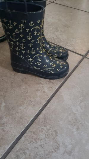 rain boots 11/12 for Sale in El Paso, TX