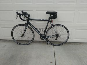 Cannondale 8 Road Bike for Sale in Visalia, CA