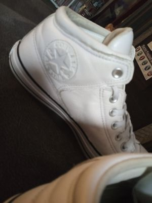 Men's Converses Size 8.5 for Sale in Obetz, OH