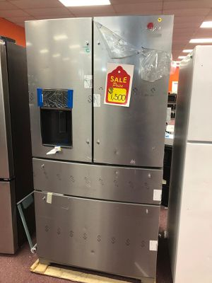 French door refrigerator whirlpool, 4 doors ,brand new for Sale in Fort Lauderdale, FL