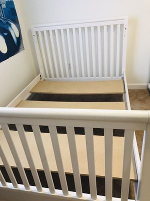 Bedroom set ( Full Bed , night stand , dresser with shelves) for Sale in Hialeah, FL
