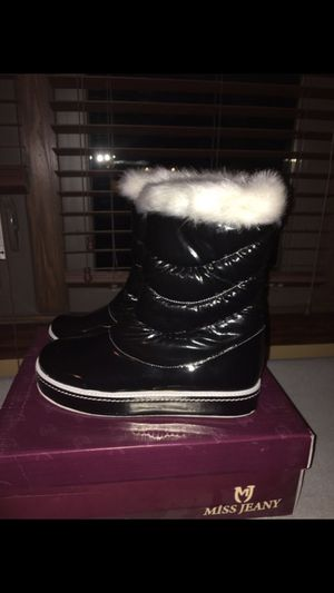 New sneaker boots /rain boots size 7 for Sale in Chicago, IL