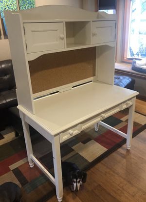 Desk with Hutch for Sale in Bothell, WA