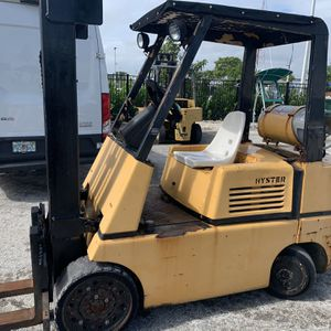 Forklift hyster runs and drives great operates good 5000 pound lift capacity for Sale in Pompano Beach, FL