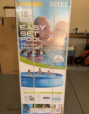 Intex 18 ft x 48 in piscina easy set pool with pump & filter for Sale in Houston, TX
