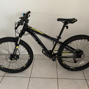 Diamondback Syncrs 24 Excellent For Trails for Sale in Fort Lauderdale, FL