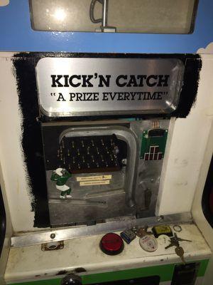 Arcade vending machine kick'n catch game for Sale in Shoreline, WA