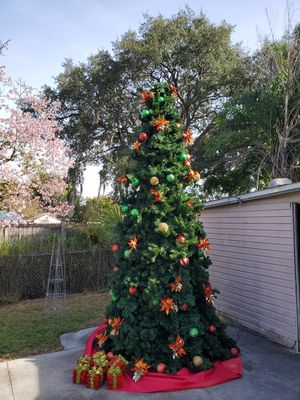 16' Commercial Tower Led Xmas Tree for Sale in Wahneta, FL