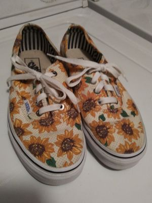 Woman's Vans Tennis Shoes...Size 6.5 for Sale in Anaheim, CA