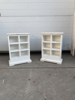 2 small shelf display! for Sale in Pittsburgh,  PA