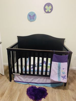 Baby Crib (Delta Brand) for Sale in Valley View, OH