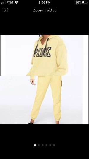 NIP VS Pink Everyday Lounge Yellow Set XL for Sale in New York, NY