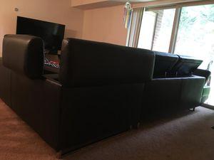 Sofa nuevo me estoy moviendo de estado y no me los puedo llevar por eso los vendo están en perfectas condiciones for Sale in Rockville, MD