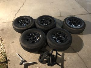 245 75 R17 Jeep tires & wheels + Spare Tire and holder for Sale in Baton Rouge, LA