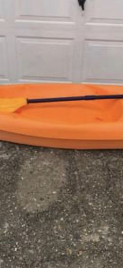 SUN DOLPHIN YOUTH KAYAK 6ft for Sale in Virginia Beach,  VA