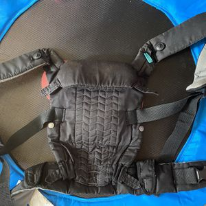 Infantino Baby Carrier for Sale in Parkville, MD