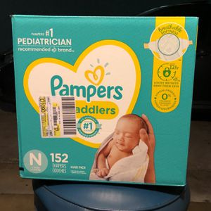 152 Count Pampers Swaddlers NEWBORN for Sale in San Diego, CA