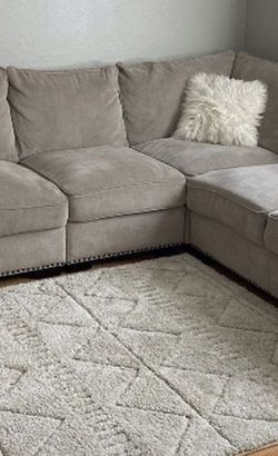 Sectionals Sofa for Sale in Beavercreek,  OR