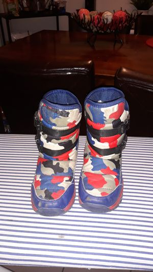 Kids snow boots for Sale in Shelby Charter Township, MI