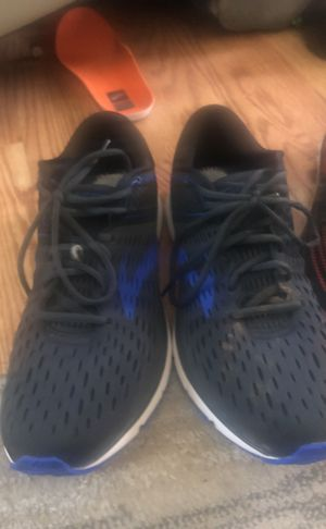 3 pairs of top of the line size 11 runners for Sale in San Diego, CA