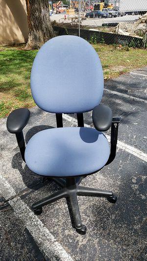 Office chair for Sale in Grand Prairie, TX