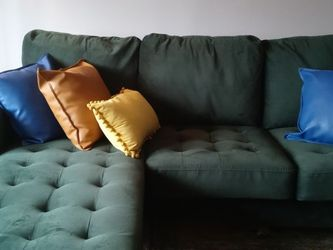 Green Sectional with Pillows And Carpet for Sale in Baltimore,  MD
