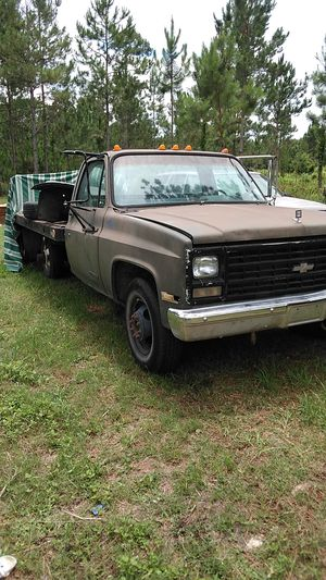 1987 Chevy 1 ton diesel for Sale in Live Oak, FL