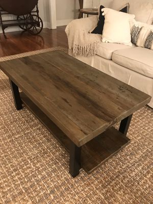 Coffee table for Sale in Boca Raton, FL