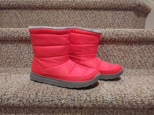 New Women's Size 8M Snow Boots [Retail $70] for Sale in Woodbridge, VA