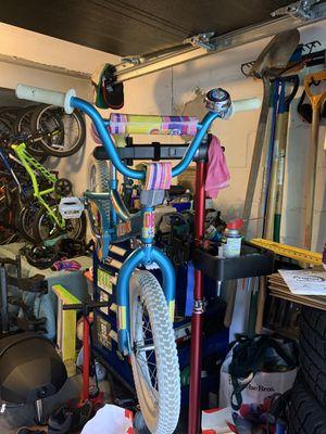 "Diamondback mini impression girls bike 16"" tires/training wheels for Sale in Dedham, MA"