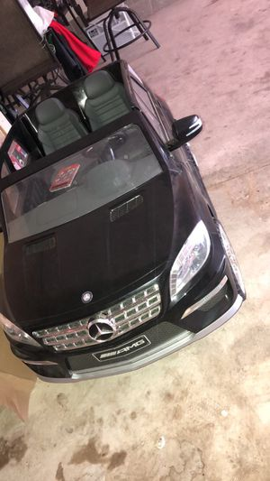 Black Mercedes Benz truck for kids for Sale in East Moline, IL