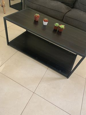 Coffee table as-is (succulent decor not included) for Sale in Alafaya, FL