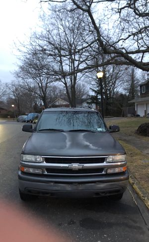 Chevy surburban 2001- needs work for Sale in HUNTINGTN STA, NY