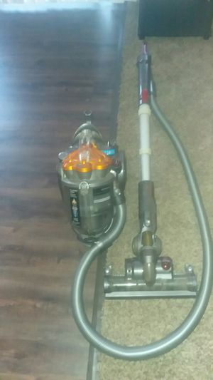 Dyson vacuum for Sale in Newark, OH