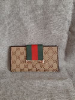 Gucci wallet for Sale in Manassas,  VA