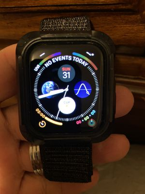 Apple watch serie 4 44mm for men for Sale in Skokie, IL
