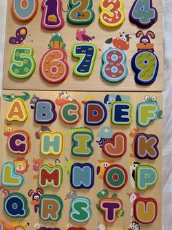 Like new Wooden Puzzles Alphabet And Numbers TOP BRIGHT for Sale in Santa Ana, CA