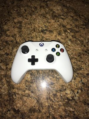 Xbox One S Controller for Sale in Los Angeles, CA