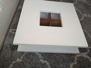 Contemporary coffee table for Sale in Tacoma, WA