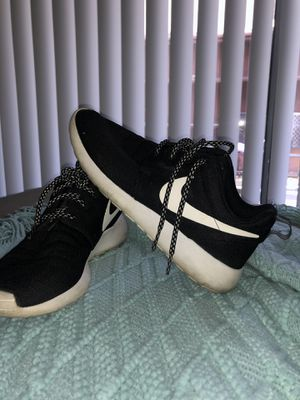 Women Nike roshe running shoes size 7 for Sale in Norco, CA