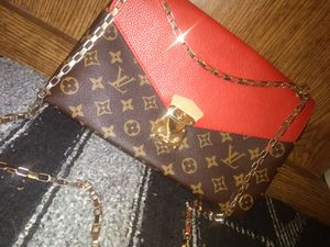 LOUIS VUITTION CROSS BODY PURSE for Sale in Vancouver, WA